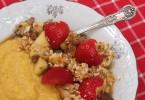 kasza kukurydziana z owocami