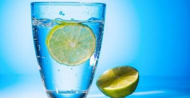woda w szklance2