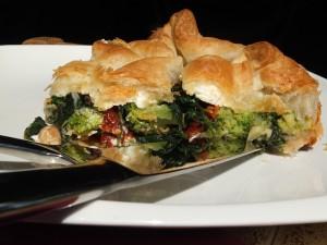 tarta ze szpinakiem, brokułem i serem feta